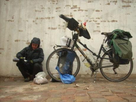 Tour du monde à vélo, intuition en voyage, chine, désert, béatrice maine, choisir à l'intuition son chemin de vie
