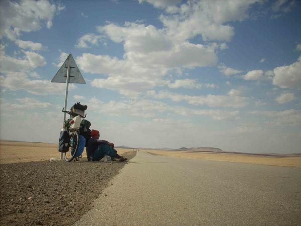 tour du monde à vélo, mongolie, désert de gobi, beatrice maine, silence, immensité, vaste, nature sauvage